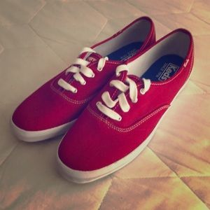NWOB Classic Red Keds